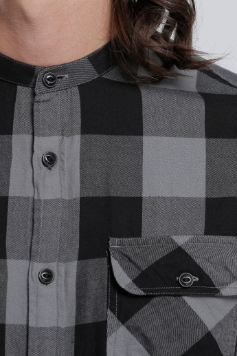 Chequered Shirt with Mandarin Collar and Long Sleeves