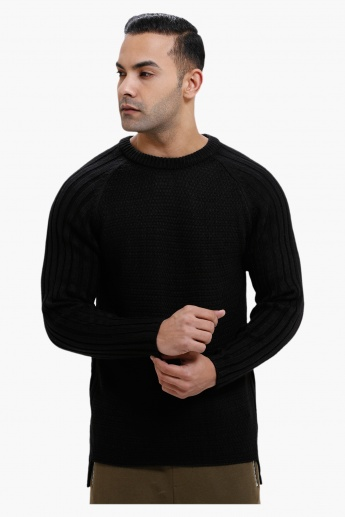 Round Neck Sweater with Long Sleeves