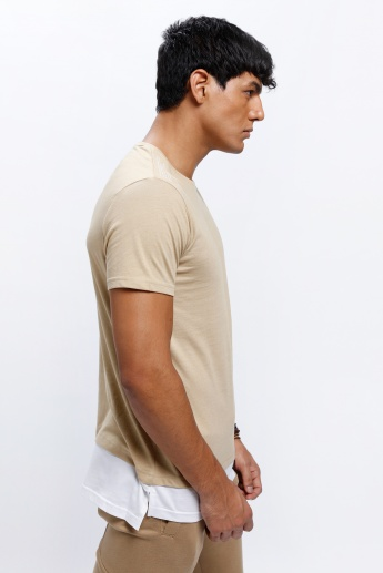 Crew Neck T-Shirt with Short Sleeves and Panel Contrast on Hem