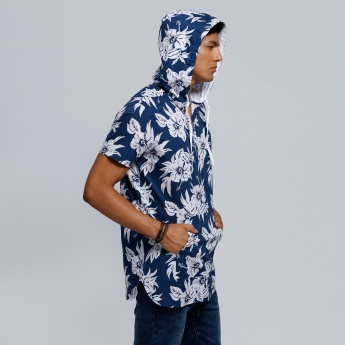 Printed Shirt with Hood and Short Sleeves