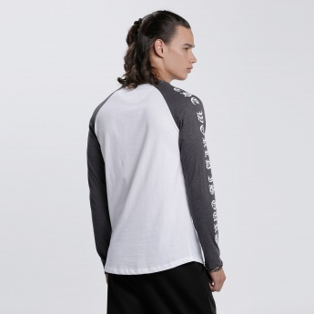 Long Raglan Sleeves T-Shirt with Round Neck