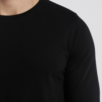 Round Neck T-Shirt with Long  Sleeves in Slim Fit