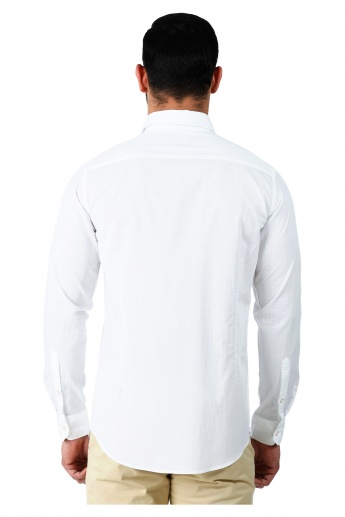 Casual Cotton Dobby Shirt with Long Sleeves in Slim Fit