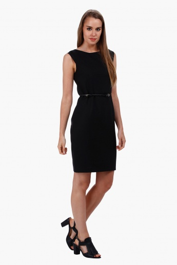 Sleeveless Dress with Boat Neck