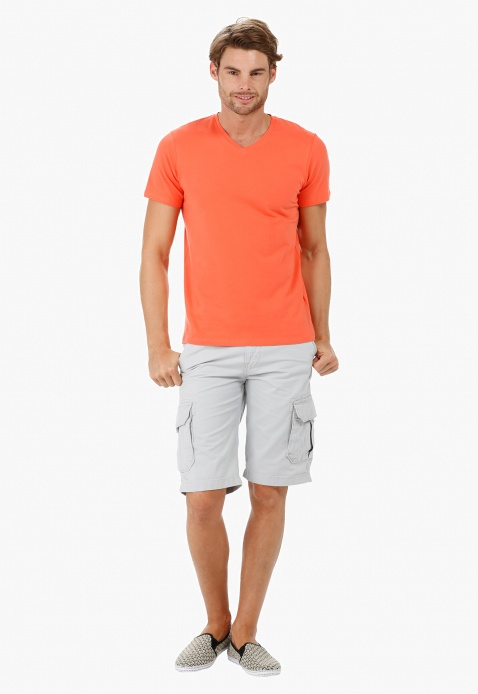 Short-sleeved V-neck T-shirt
