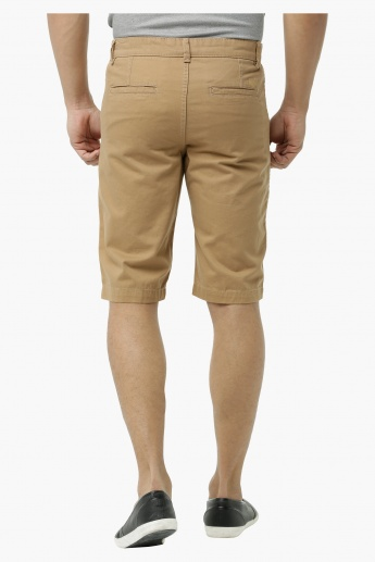 Basic Chino Shorts in Regular Fit
