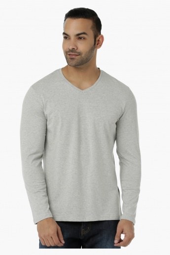 Basic T-Shirt with V-Neck and Long Sleeves in Regular Fit