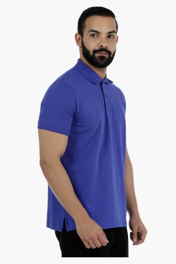 Casual Short Sleeves Polo Neck T-Shirt in Regular Fit