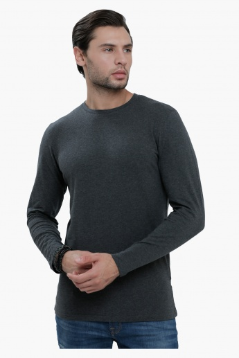 Crew Neck T-Shirt with Long Sleeves in Slim Fit