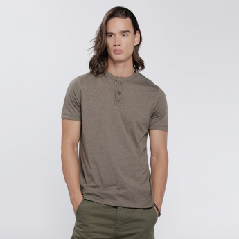 Henley Neck T-Shirt With Short Sleeves In Regular Fit