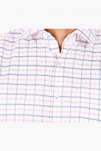 Casual Shirt with All Over Checks Print in Regular Fit