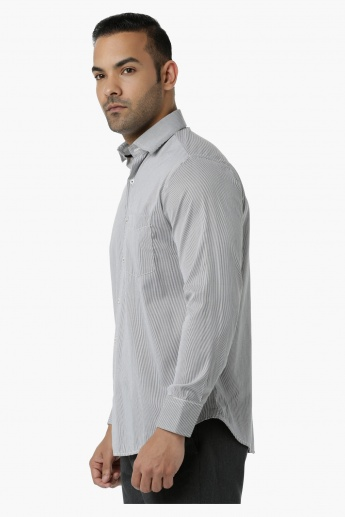 Striped Formal Shirt with Collar Neck in Regular Fit